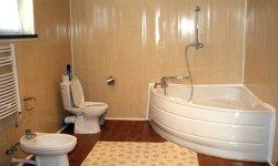 Дизайн ванної, при обробки якої використовувалися пластикові панелі для ванної кімнати