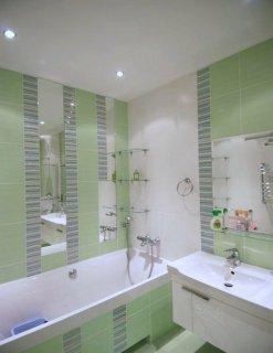 Фото дизайну ванної кімнати, в будинку хрущовського типу