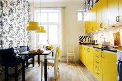 Оздоблення стін на кухні шпалерами