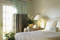 Варіанти дизайну спальні в ніжних тонах